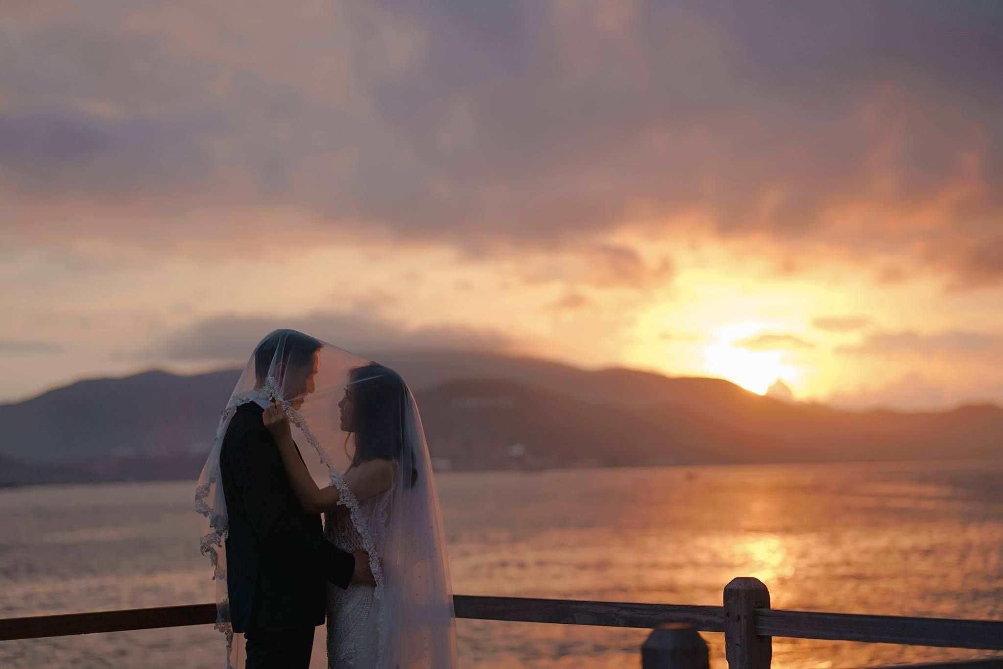 Chụp ảnh cưới lúc bình minh cho cặp đôi trẻ cực kỳ ấn tượng!